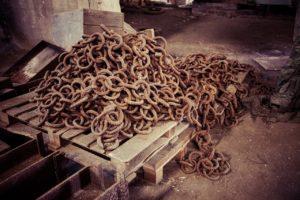 witch wars - chains